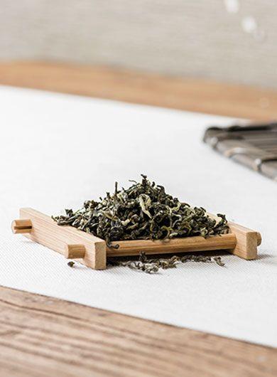 Bi Luo Chun au jasmin : thé vert parfumé