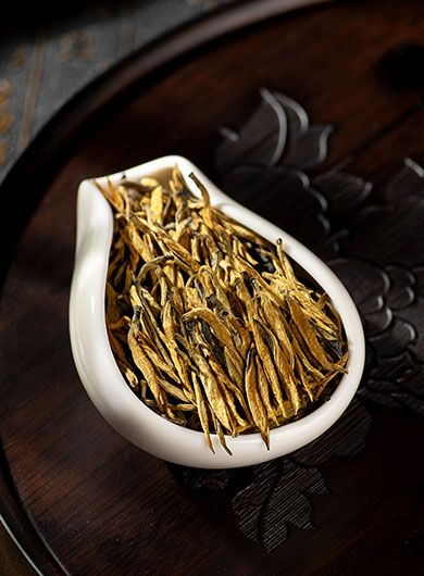 Yunnan Dian Hong Jin Zhen (aiguilles d'or) : thé noir grand cru