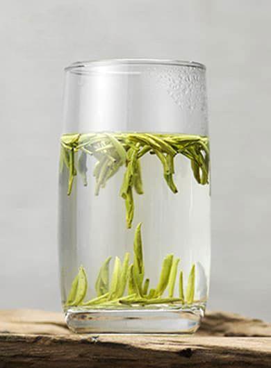 Ming Qian Long Ya : thé vert