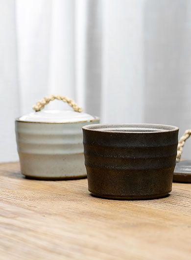 Boîte à thé avec poignée en corde
