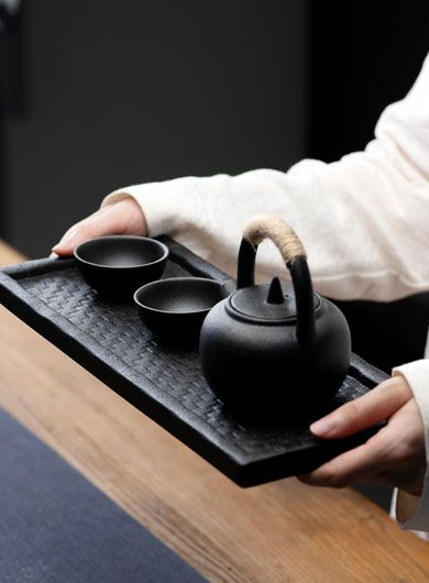 Service à thé en poterie noire
