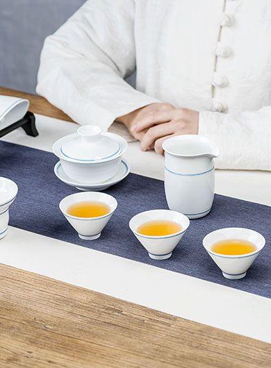 Service à thé du voyageur, en porcelaine craquelée 390
