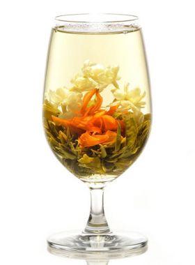 Collier de jasmin, un bijou en fleur de thé